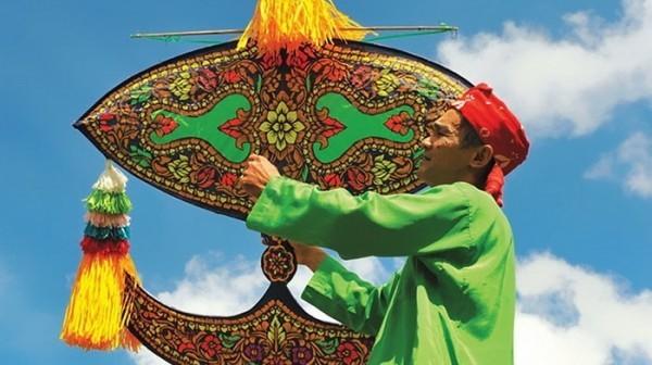 фестиваль воздушных змеев Вау
