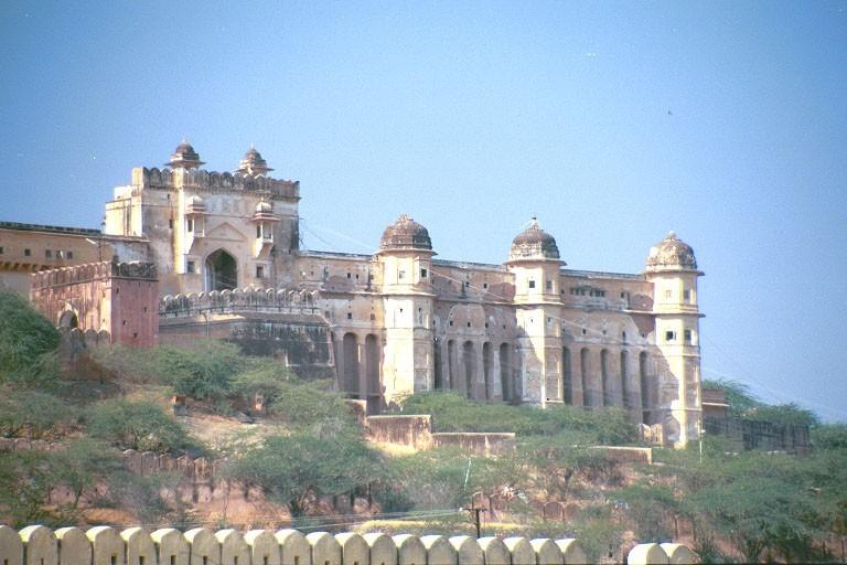 Крепость-дворец Амбер