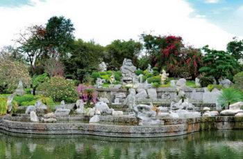 Крокодиловая ферма и Парк миллионолетних камней
