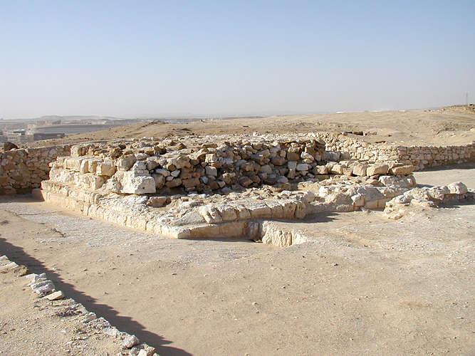 Пирамида Джедефра