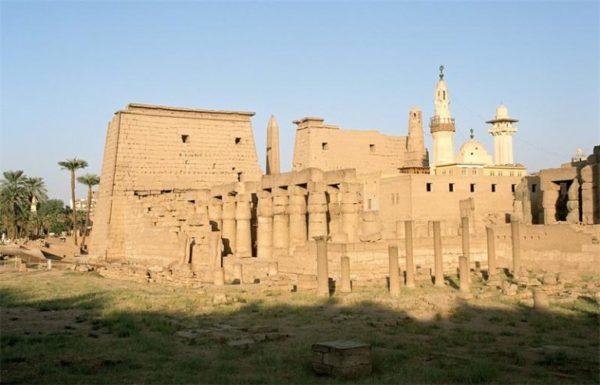 луксорский храм